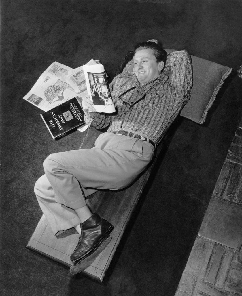 <p>The actor is seen here at home relaxing after filming wrapped on <em>The Walls of Jericho. </em></p>