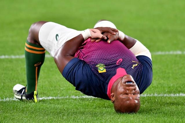 South Africa's hooker Bongi Mbonambi warms up before the Japan 2019 Rugby World Cup quarter-final match between Japan and South Africa at the Tokyo Stadium in Tokyo, Japan (AFP Photo/Kazuhiro NOGI)