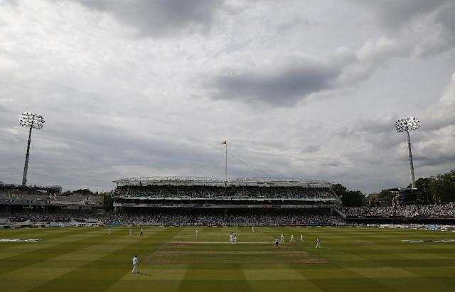 England and Wales Cricket Board needs 31 of its 41 members to support a rule change that will allow it to proceed with an eight team, city-based, Twenty20 event (AFP Photo/Ian KINGTON)