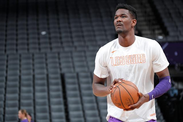 "<a class=""link rapid-noclick-resp"" href=""/nba/players/5958/"" data-ylk=""slk:Deandre Ayton"">Deandre Ayton</a> was the No. 1 pick in the 2018 draft and is currently a rookie for the <a class=""link rapid-noclick-resp"" href=""/nba/teams/phoenix/"" data-ylk=""slk:Phoenix Suns"">Phoenix Suns</a>. (Getty Images)"