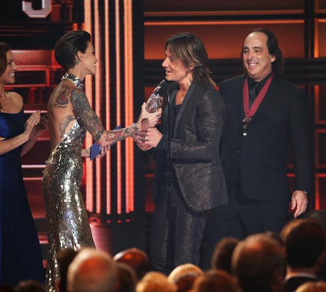 <p>Brittany Snow and Ruby Rose present Keith Urban with an award onstage at the 51st annual CMA Awards at the Bridgestone Arena on November 8, 2017 in Nashville, Tennessee. (Photo by John Shearer/WireImage) </p>