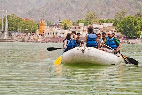 Rafting on the Ganges - Credit: UNIVERSALIMAGESGROUP