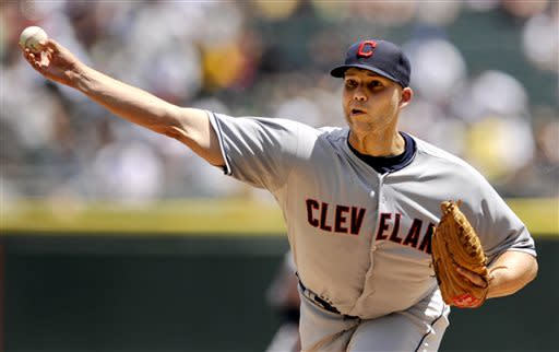 Cleveland Indians starter Justin Masterson delivers a pitch during the first inning of a baseball game against the Chicago White Sox in Chicago, June 30, 2013. (AP Photo/Paul Beaty)