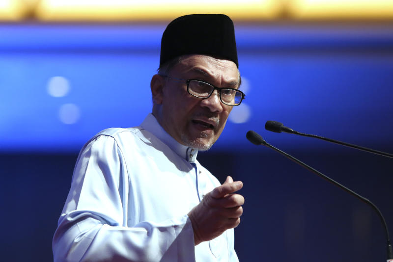 According to sources, Datuk Seri Anwar Ibrahim will contest the Port Dickson parliamentary seat. — Picture by Yusof Mat Isa