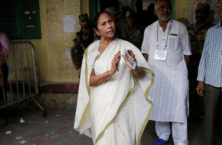 Mamata Banerjee, the Chief Minister of West Bengal and chief of Trinamool Congress (TMC), gestures as she talks to media after casting her vote at a polling station during the final phase of general election in Kolkata, India, May 19, 2019. REUTERS/Rupak De Chowdhuri