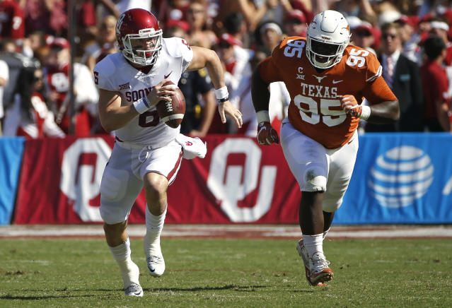 "<a class=""link rapid-noclick-resp"" href=""/ncaaf/players/229650/"" data-ylk=""slk:Baker Mayfield"">Baker Mayfield</a> had some fun after Oklahoma downed Texas. (AP Photo/Ron Jenkins)"