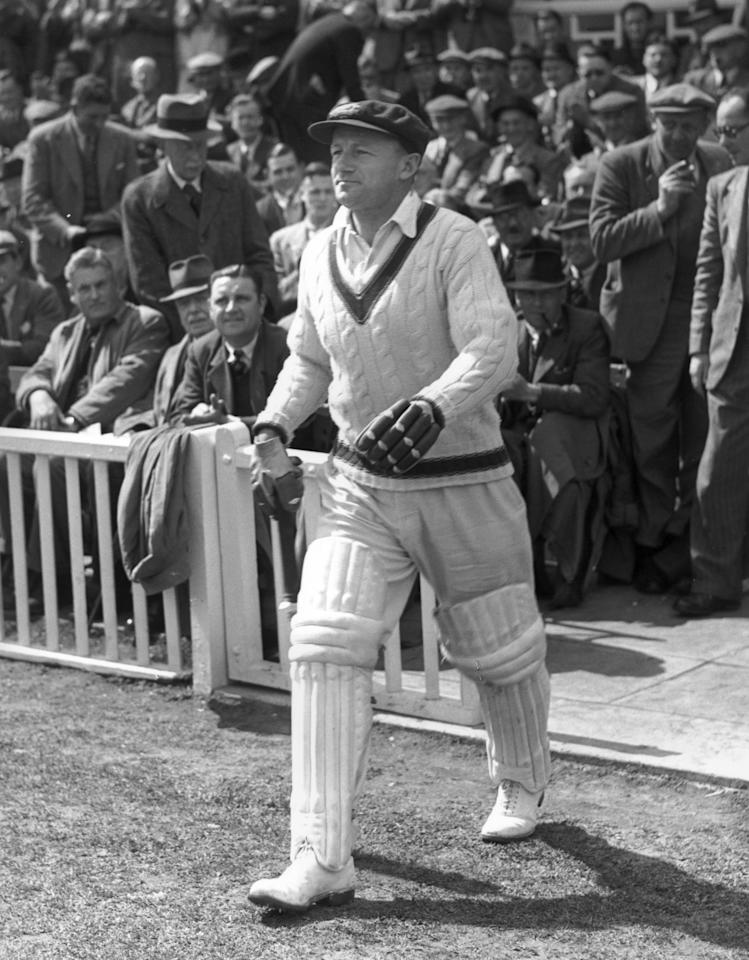 Captain of the Australian cricket team Don Bradman (1908 - 2001) on his last tour, going in to bat at Worcester, England. He averaged very nearly 100 runs throughout his career.   (Photo by Maeers/Getty Images)