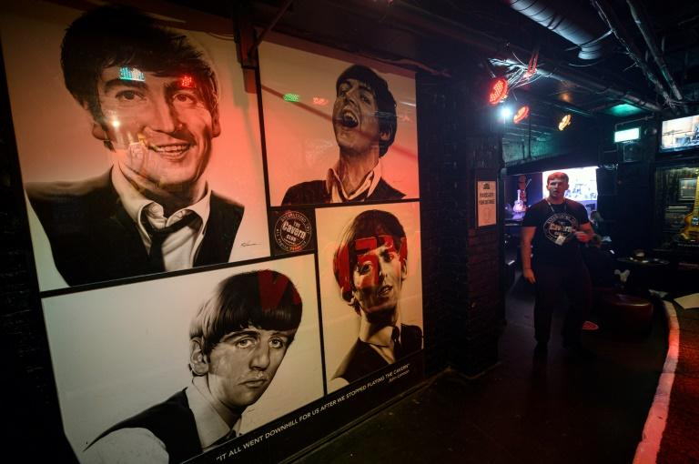 The Beatles played 274 times at the Cavern