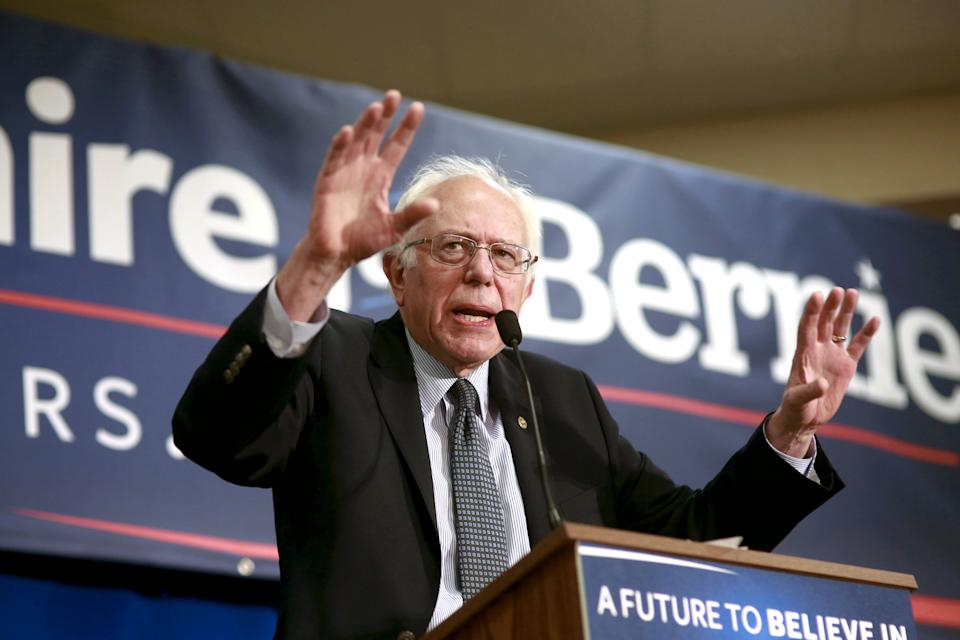 U.S. Democratic presidential candidate and U.S. Senator Bernie Sanders talks about minimum wage increases during a campaign town hall meeting in Bedford, New Hampshire January 22, 2016. REUTERS/Katherine Taylor