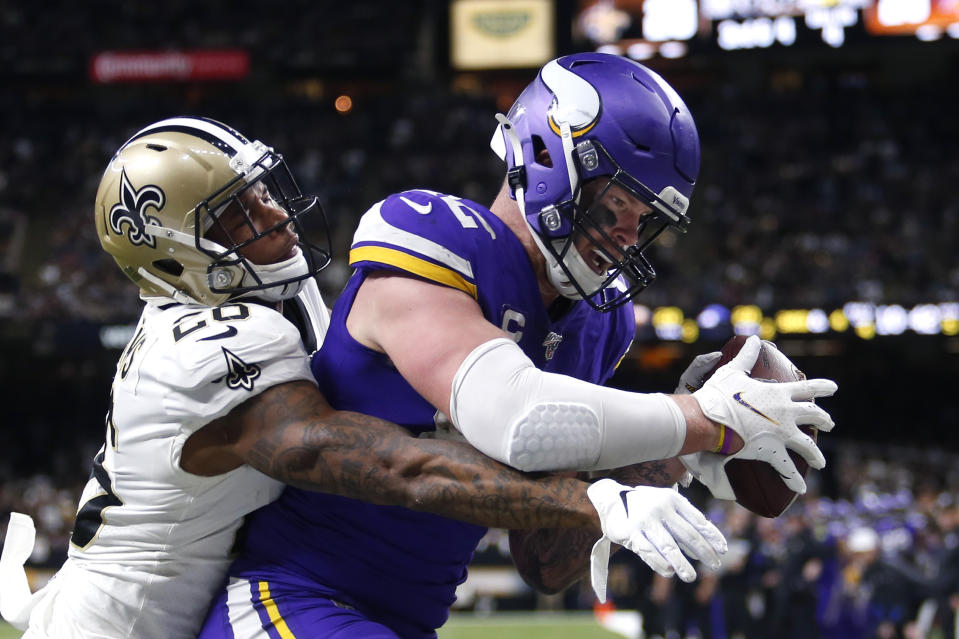 Did Kyle Rudolph's push-off in the end zone warrant a pass interference penalty? (AP Photo/Brett Duke)