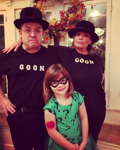 """<p>Patton Oswalt's soon-to-be wife shared this family shot, writing, """"Happy Halloween from The Riddler and her GOONS."""" (Photo: <a href=""""https://www.instagram.com/p/Ba752ohDhUw/?hl=en&taken-by=meredithsalenger"""" rel=""""nofollow noopener"""" target=""""_blank"""" data-ylk=""""slk:Meredith Salenger via Instagram"""" class=""""link rapid-noclick-resp"""">Meredith Salenger via Instagram</a>) </p>"""