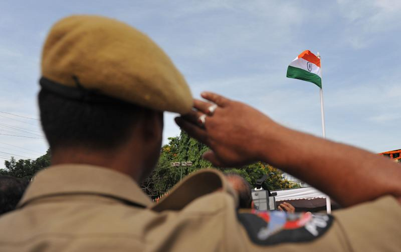 Representative image of an Indian police officer. (Photo: NOAH SEELAM via Getty Images)