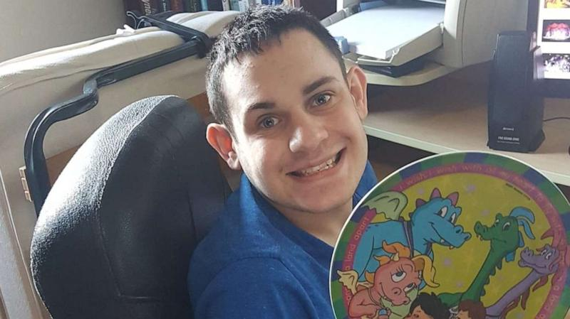 How an online stranger came to one family's rescue to replace a beloved broken dinner plate