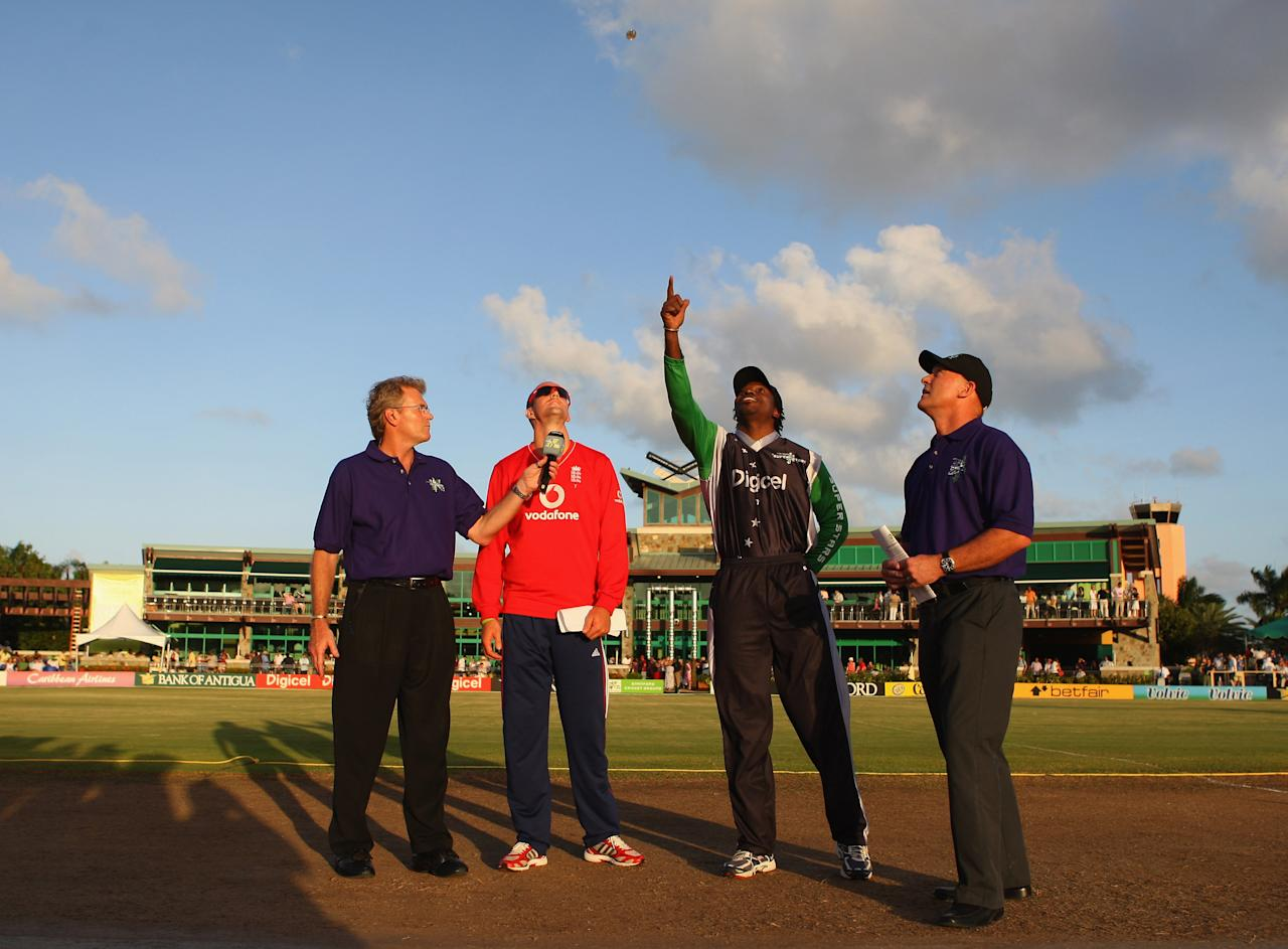 ST. JOHN'S, ANTIGUA AND BARBUDA - NOVEMBER 01: Kevin Pietersen of England and Chris Gayle of the Superstars at the toss during the Stanford Twenty20 Super Series 20/20 for 20 match between Stamford Superstars and England at the Stanford Cricket Ground on November 1, 2008 in St Johns, Antigua  (Photo by Tom Shaw/Getty Images)