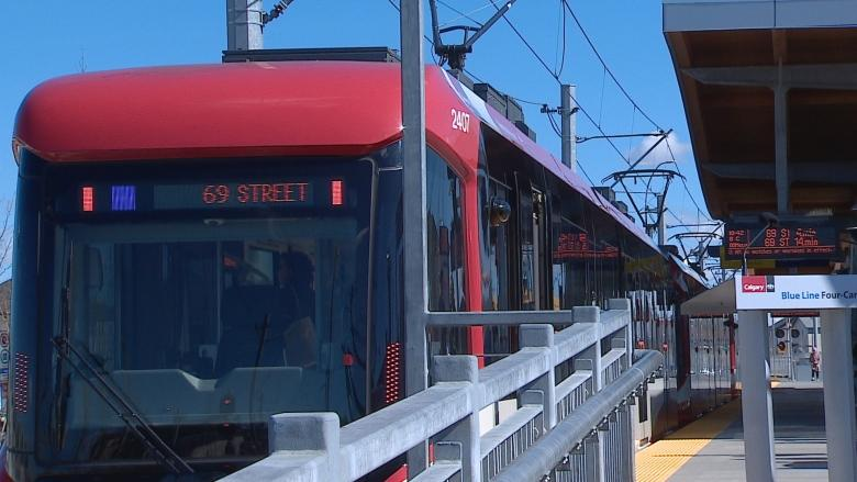 Calgary adds 4-car trains to Blue Line of its LRT system