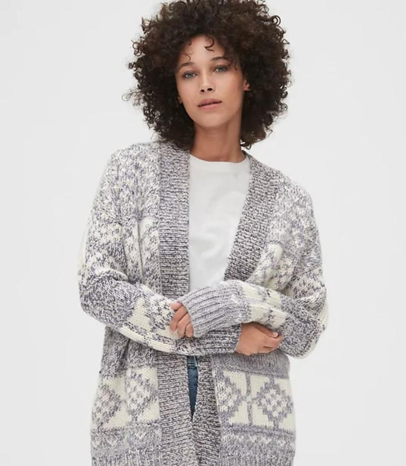 """Damn right your co-parent deserves the coziest possible cardigan! Get it at <a href=""""https://www.gapcanada.ca/browse/product.do?cid=1119784&amp;pcid=1119498&amp;vid=1&amp;pid=514419003"""" target=""""_blank"""" rel=""""noopener noreferrer"""">Gap</a>, $128."""