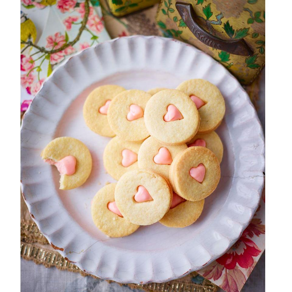 """<p>A vanilla biscuit with melted marshmallow in the buttercream, which firms to a glossy, decadent filling. </p><p><strong>Recipe: <a href=""""https://www.goodhousekeeping.com/uk/food/recipes/a558842/marshmallow-melts/"""" rel=""""nofollow noopener"""" target=""""_blank"""" data-ylk=""""slk:Marshmallow melts"""" class=""""link rapid-noclick-resp"""">Marshmallow melts</a></strong></p>"""