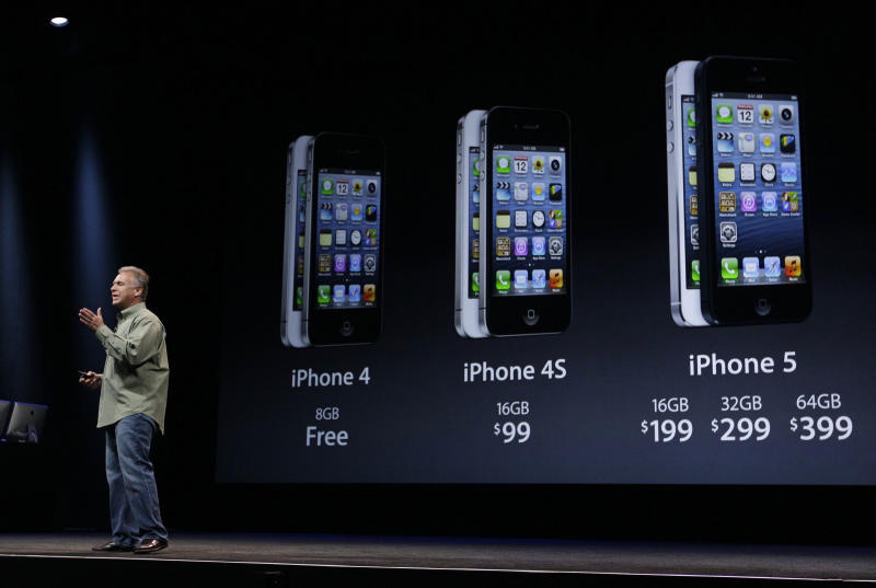Holiday Gadgets: Apple iPhone orders start