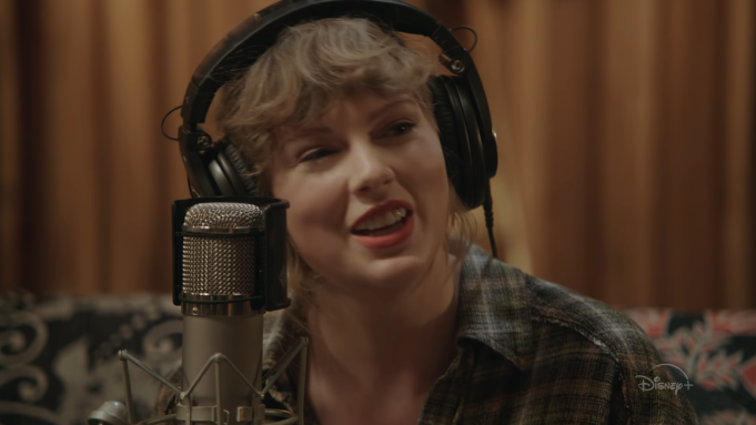 Swift will sing the entirety of the 'Folklore' album for the first time ever.
