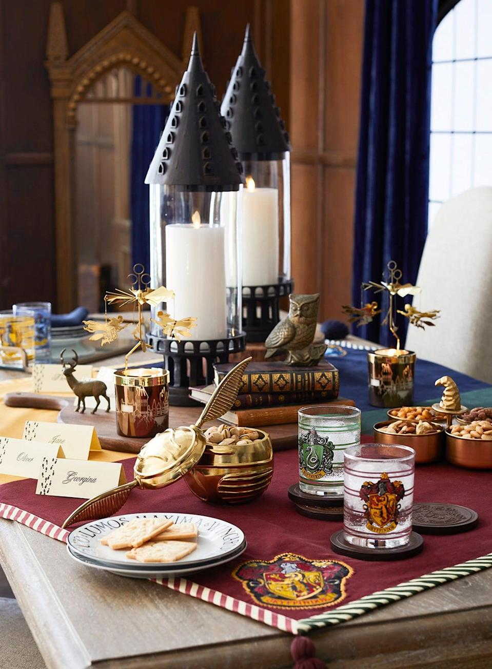 <p>Look at this magical tablescape!</p>