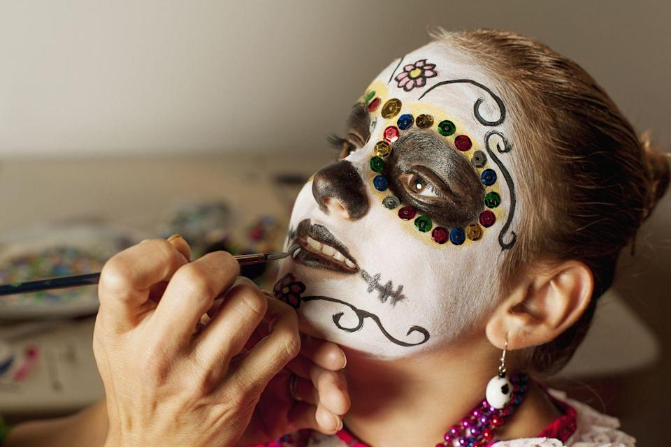 <p>La Catrina is the inspiration behind the sugar skull makeup and costumes worn to celebrate the holiday. </p>