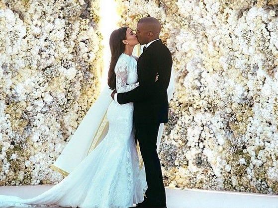 kim kardashian kanye west wedding kiss