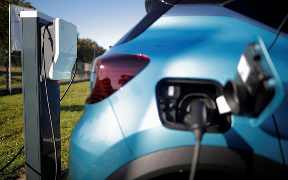 The discrepancy in the emissions figures is largely down to the way plug-in hybrids are used
