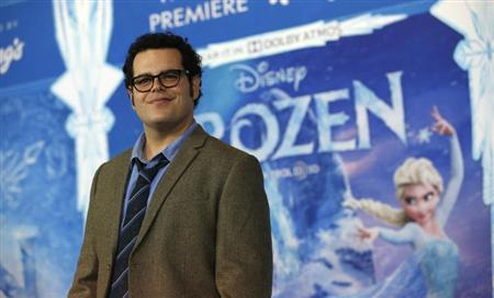 "Cast member Josh Gad poses at the premiere of ""Frozen"" at El Capitan theatre in Hollywood, California November 19, 2013. REUTERS/Mario Anzuoni"