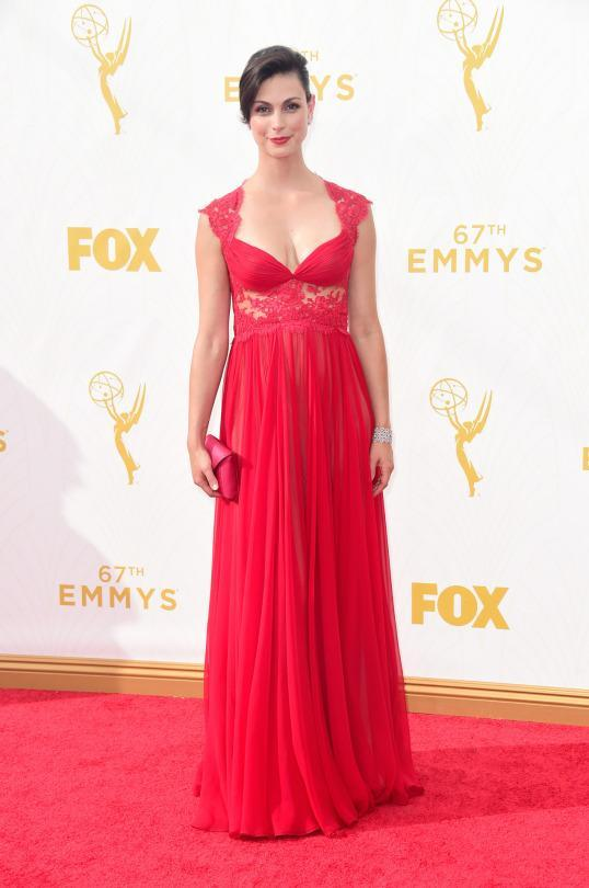 <p>Morena Baccarin wore a dress that every single other star has already worn in the past. Boring for sure but let's give credit where credit's due: the actress still looked beautiful in the red Reem Acra gown. </p>