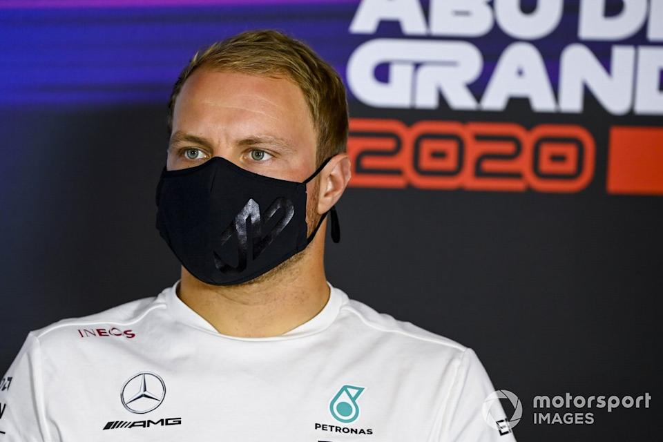 "Valtteri Bottas, Mercedes-AMG F1 en la conferencia de prensa<span class=""copyright"">Mark Sutton / Motorsport Images</span>"