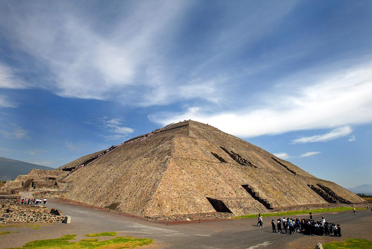 MEXICO CITY- NOVEMBER 15:  A general view of the site of the ancient Sun Pyramid at the Teotihuacan Citadel outside of Mexico City during the Gran Premio Gigante-Telmex, round 19 of the CART (Championship Auto Racing Teams) Fed Ex Championship Series on November 15, 2002  at the Autodromo Hermanos Rodriguez in Mexico City, Mexico. (Photo by Donald Miralle/Getty Images)