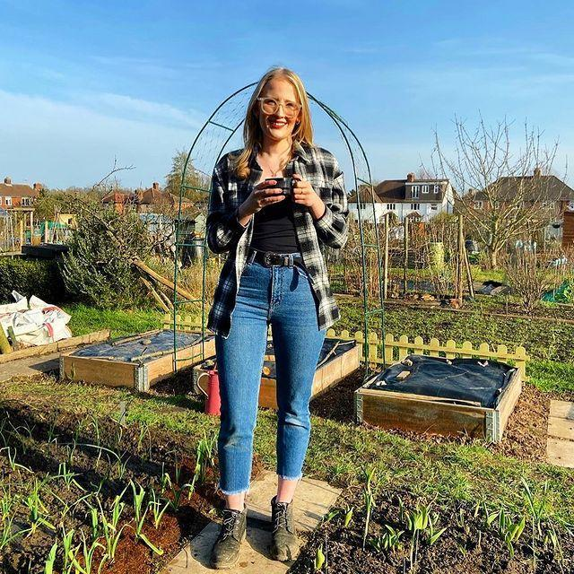 """<p>City-dwellers without a garden will love Hollie. After creating her own allotment in October 2020, she decided to shift her Instagram content to all things gardening. From tomatoes to potatoes, she shows exactly how to create an edible garden when you're strapped for space. </p><p>Make sure you follow her #mymonthontheplot hashtag for insider tips into what she is currently growing. </p><p><a href=""""https://www.instagram.com/p/CLlgDBMg6DD/"""" rel=""""nofollow noopener"""" target=""""_blank"""" data-ylk=""""slk:See the original post on Instagram"""" class=""""link rapid-noclick-resp"""">See the original post on Instagram</a></p>"""