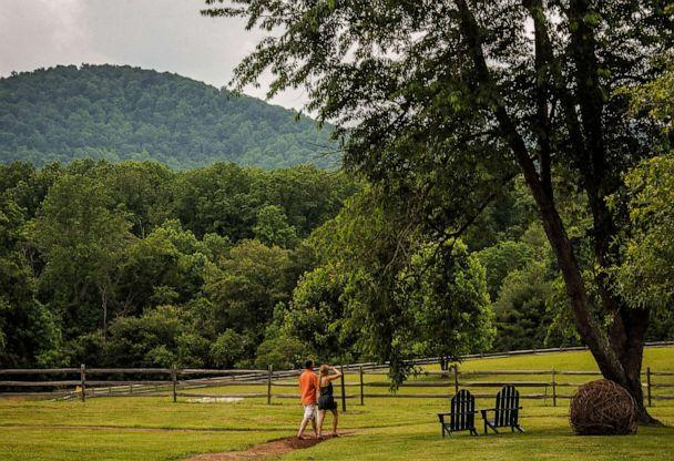 PHOTO: Guests walk the grounds of the Inn at Little Washington on June, 04, 2014 in Washington, VA., June 4, 2014. (The Washington Post via Getty Images, FILE)