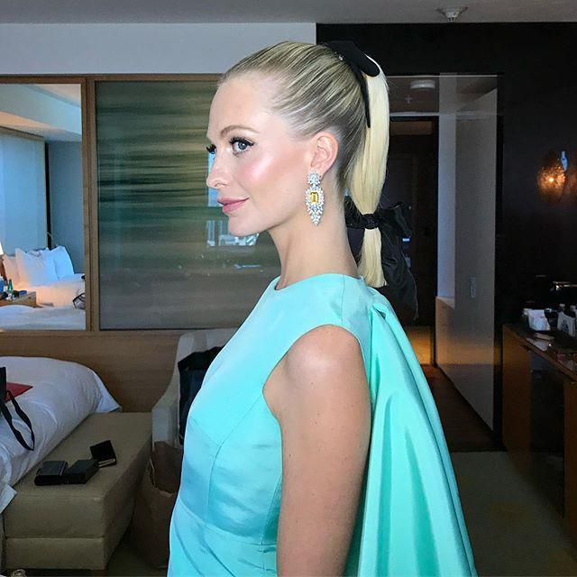 """<p>A high ponytail with a <a href=""""https://www.cosmopolitan.com/style-beauty/fashion/a26801956/how-to-wear-hair-bows/"""" rel=""""nofollow noopener"""" target=""""_blank"""" data-ylk=""""slk:bow"""" class=""""link rapid-noclick-resp"""">bow</a>? Cute but kinda expected. <strong>Add a second bow toward the bottom of the tail</strong>, though, and you've got yourself a lewk.</p><p><a href=""""https://www.instagram.com/p/Bn2FA0mHuCS/"""" rel=""""nofollow noopener"""" target=""""_blank"""" data-ylk=""""slk:See the original post on Instagram"""" class=""""link rapid-noclick-resp"""">See the original post on Instagram</a></p>"""