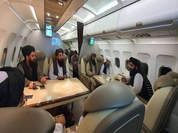 A high level delegation of the Islamic Emirate led by Foreign Minister Maulvi Amir Khan Mottaki left for Qatar today (Photo/ Twitter:  Zabihullah Mujahid)