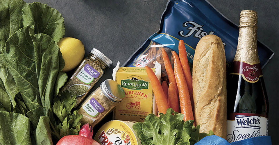 Get free shipping and more with Walmart Grocery. (Photo: Walmart)