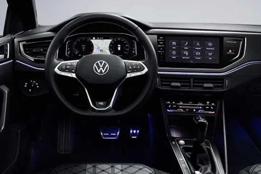 Facelifted-VW-Polo-interior