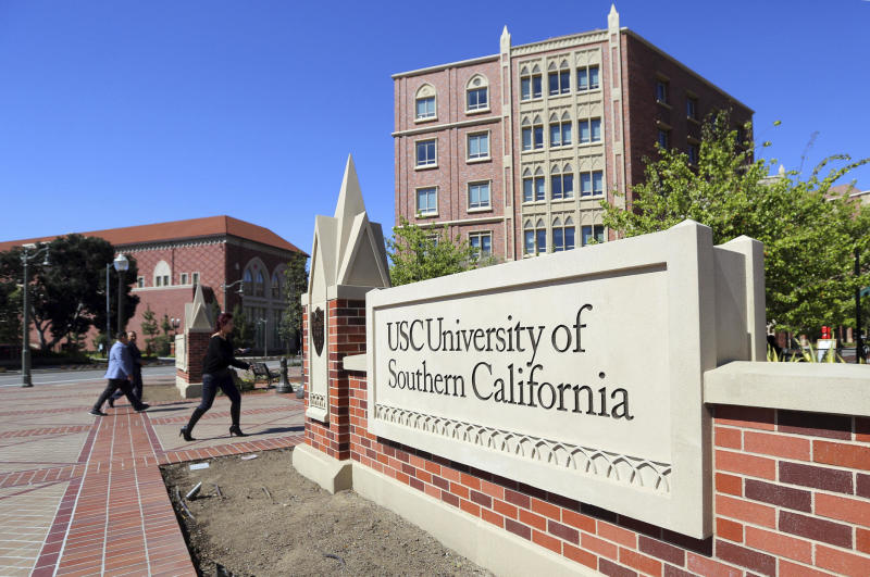 """After 9 USC deaths, students slam school's """"weirdly written"""" letter"""