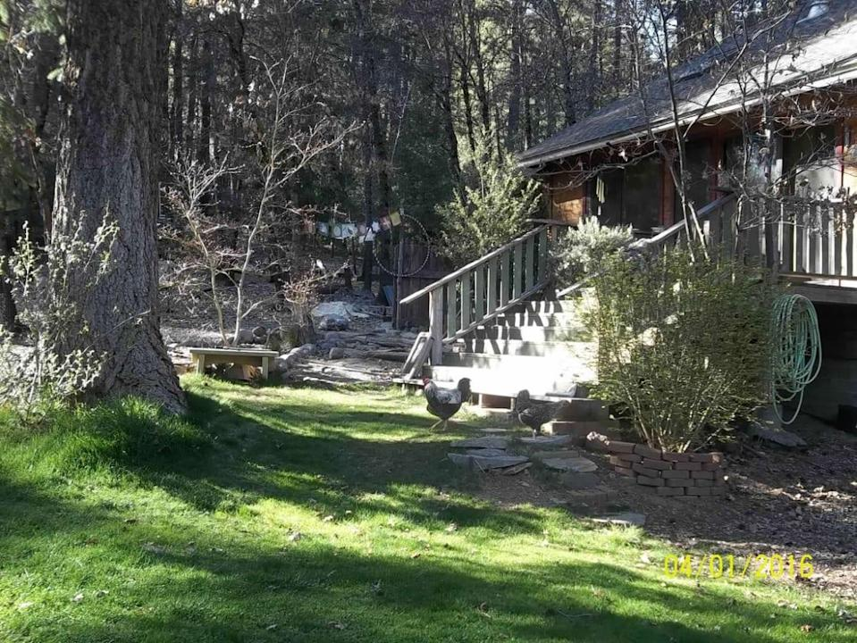 """<div class=""""inline-image__caption""""><p>Wade Linford's Indian Falls home</p></div> <div class=""""inline-image__credit"""">Courtesy of Linford family</div>"""