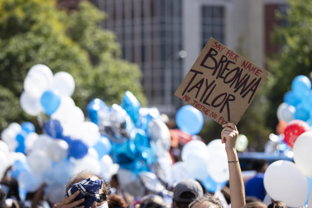 A vigil in memory of Breonna Taylor, Louisville, Ky. (Brett Carlsen/Getty Images)