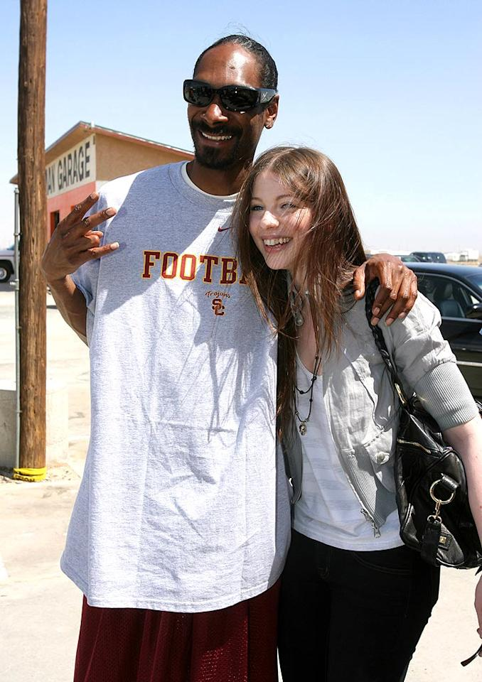 """Yo Snoop, iron that t-shirt next time so it doesn't look like you just pulled it out of your suitcase!"" Alexandra Wyman/<a href=""http://www.wireimage.com"" target=""new"">WireImage.com</a> - June 3, 2008"