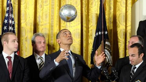 ap obama kings galaxy lpl 130326 wblog Obama Honors Kings, Galaxy; Shows Off Soccer Skills