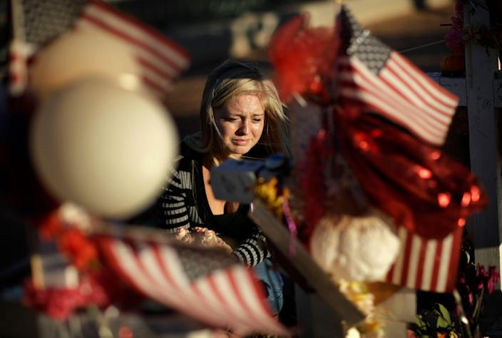 Alexandra Gurr at a memorial for victims of a mass shooting in Las Vegas, Oct. 9, 2017. (Photo: John Locher/AP)