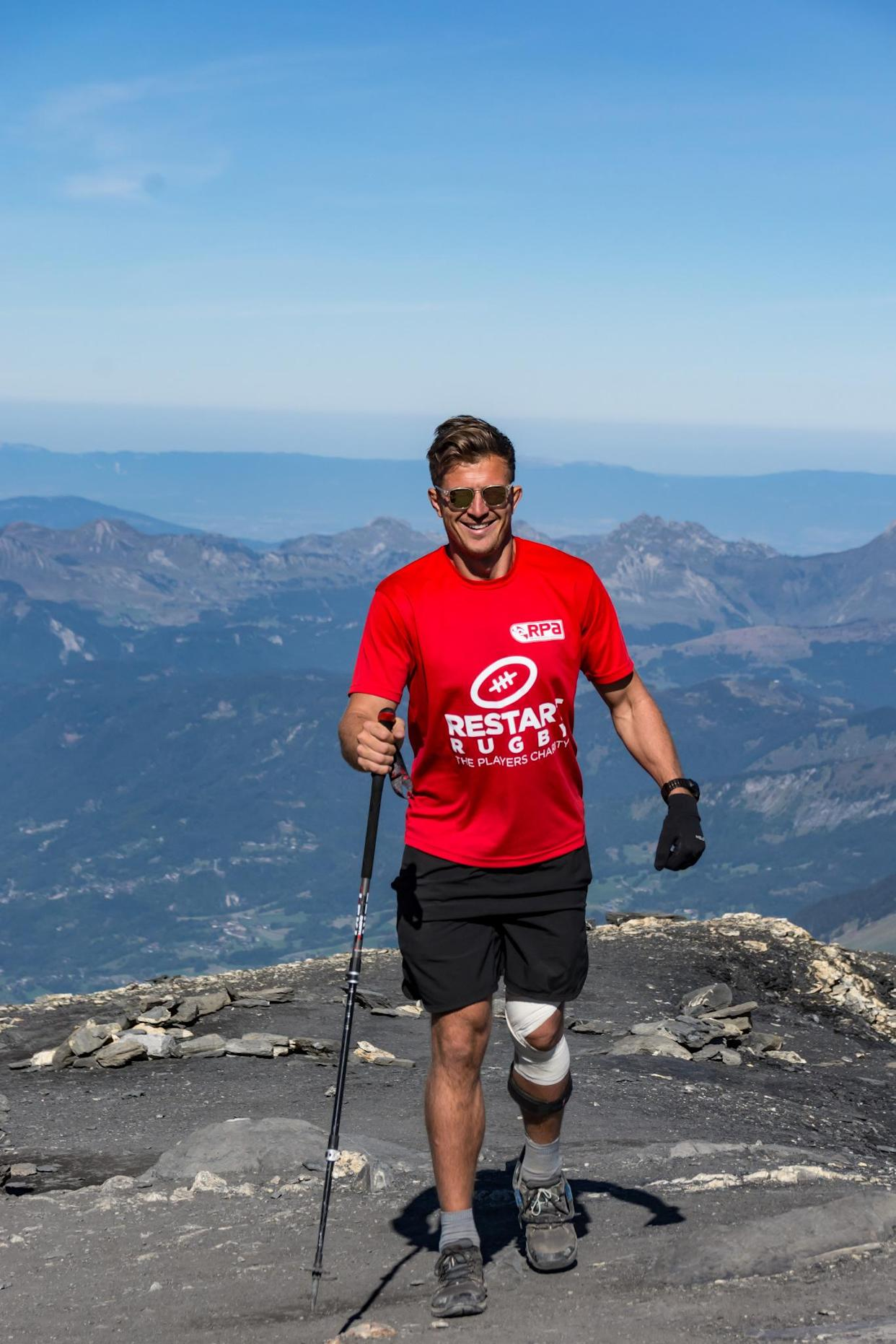 Told he would unlikely ever walk again, Jackson climbed Mera Peak in Nepal in October 2019. (Supplied: Ed Jackson)