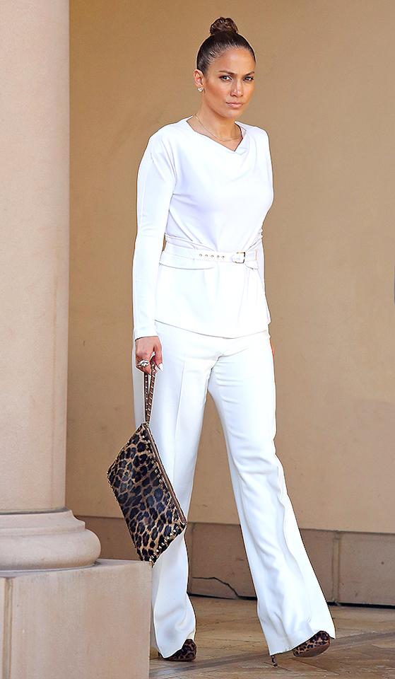 LOS ANGELES, CA - JANUARY 29: Jennifer Lopez stops for lunch at Bouchon restaurant on January 29, 2013 in Los Angeles, California. (Photo by JB Lacroix/WireImage)