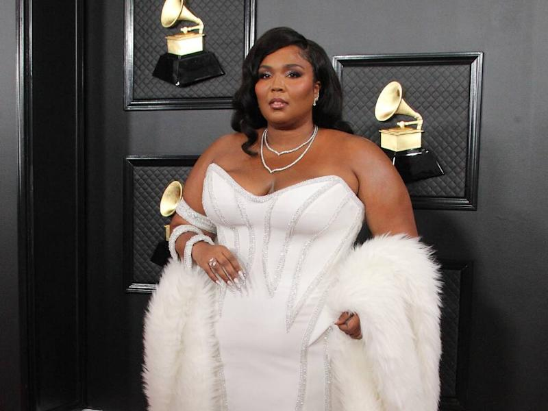 Lizzo wows in white gown at 2020 Grammy Awards