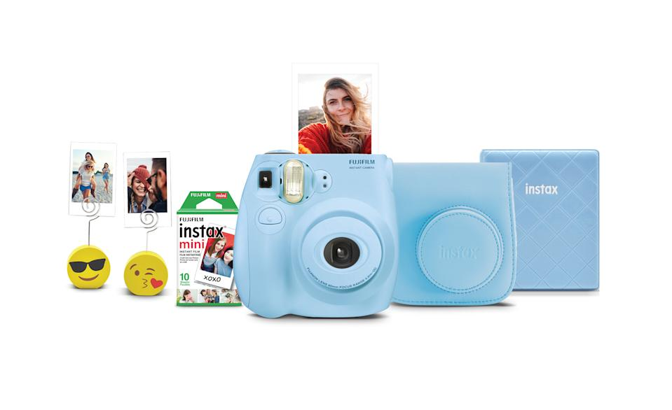 Fujifilm Instax Mini 7s Instant Camera. (Photo: Walmart)
