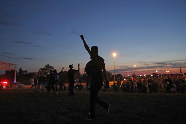 <p>Protesters march, Friday, Sept. 15, 2017, in St. Louis, after a judge found a white former St. Louis police officer, Jason Stockley, not guilty of first-degree murder in the death of a black man, Anthony Lamar Smith, who was fatally shot following a high-speed chase in 2011.(AP Photo/Jeff Roberson) </p>