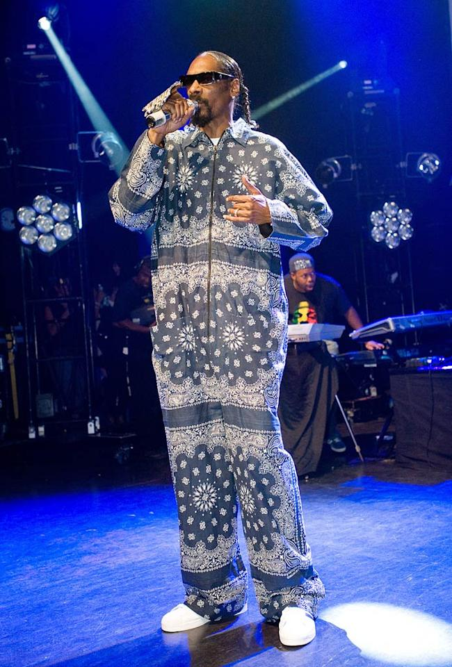 """Speaking of repelling patterns, check out the paisley bandana-esque jumpsuit Snoop Dogg donned during a recent concert stop at Shepherds Bush Empire in London. Samir Hussein/<a href=""""http://www.gettyimages.com/"""" target=""""new"""">GettyImages.com</a> - July 9, 2010"""