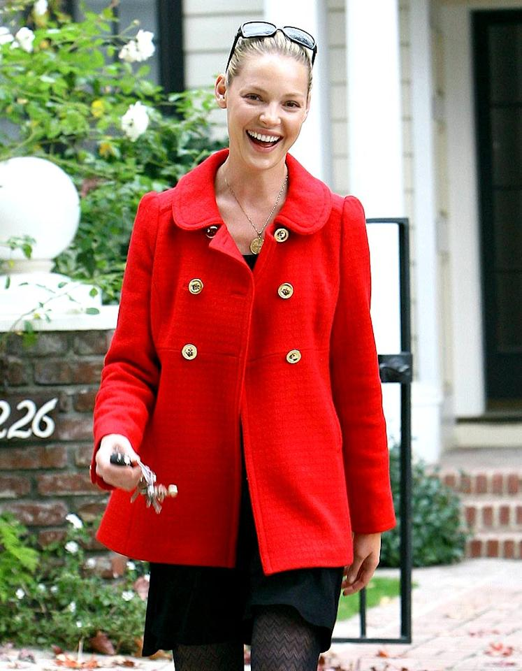 "Katherine Heigl was spotted running wedding errands around town. The actress is set to marry singer/songwriter Josh Kelley on December 23rd. AlphaX/<a href=""http://www.x17online.com"" target=""new"">X17 Online</a> - December 5, 2007"